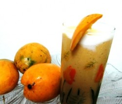 Easy Mango Milk Smoothie