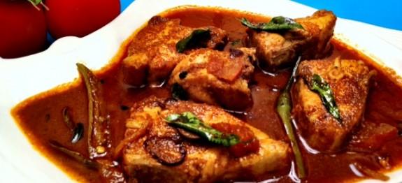 Aavoli Meen Thenga Varutharacha Meen Curry