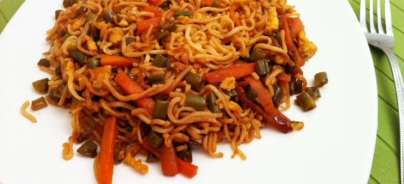 Noodles with Scrambled Egg and Vegetables