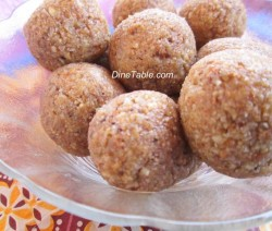 Cashewnut Balls
