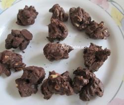 Chocolate Coated Peanut.