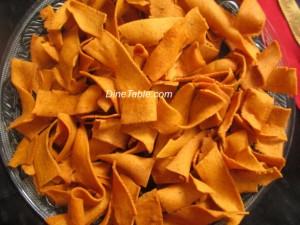 Pakkavada recipe | Ribbon Pakoda (പക്കാവട) | Diwali snacks recipe
