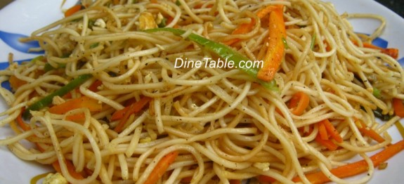 Vegetable and egg hakka noodles recipe