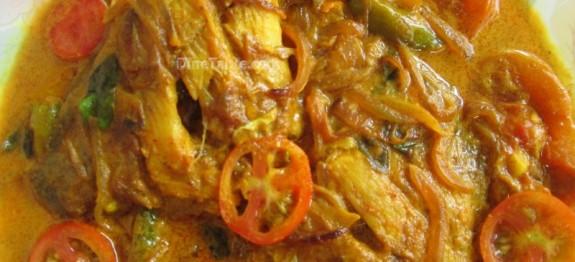 Kerala fish curry | Karimeen Mappas recipe| Karimeen curry | കരിമീൻ കറി