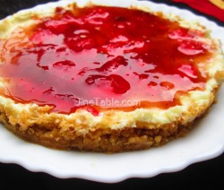 No bake cheesecake with strawberry sauce topping recipe