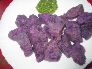 Boiled Yam with green chilli chutney recipe | Quick and easy recipe