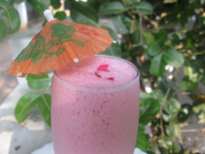 Strawberry jelly milkshake recipe | Quick and healthy drink recipe