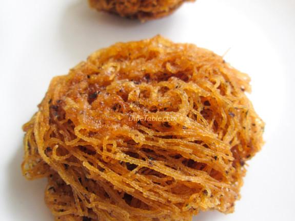 Fried Idiyappam Recipe - പൊരിച്ച ഇടിയപ്പം - Ramadan Special - Tasty Recipe