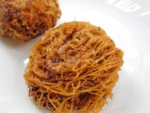 Fried Idiyappam Recipe - പൊരിച്ച ഇടിയപ്പം - Ramadan Special - Homemade Recipe