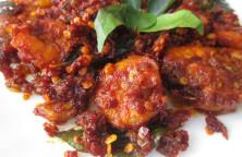 Dry Red Chilli Prawns Fry Recipe - നാടൻ ചെമ്മീൻ ഫ്രൈ - Kerala Recipe