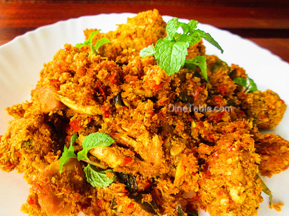 Homemade Chicken Thoran Recipe - ചിക്കൻ തോരൻ - Side Dish Recipe