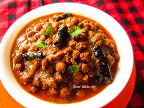 Varutharacha Kadala Curry / Chickpeas Curry / Easy Recipe