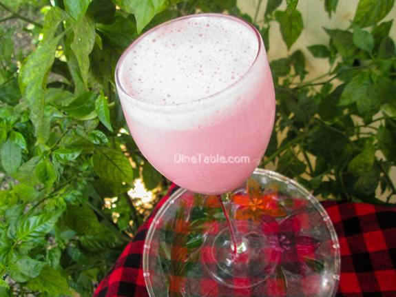 Strawberry Yogurt Banana Smoothie / Refreshing