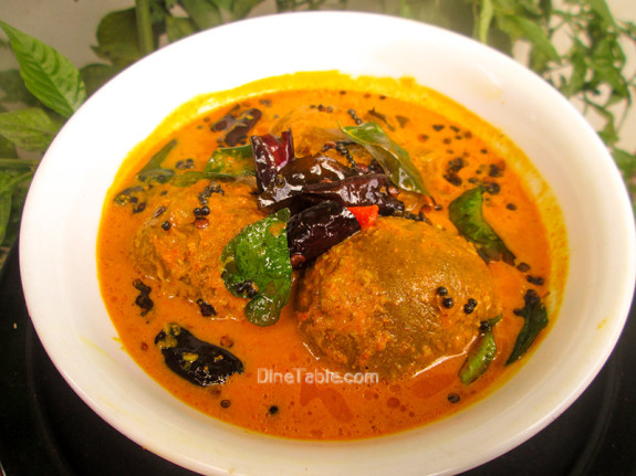 Uppumanga Curry Recipe / Salted Mangoes in Coconut Gravy
