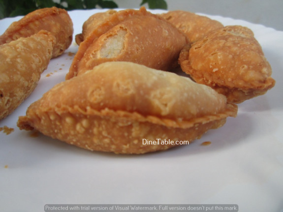 Karanji (Gujiya) / Diwali Sweet / Tasty
