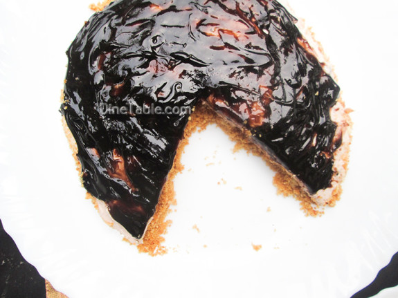 Cheesecake With Chocolate Sauce Topping / Easy