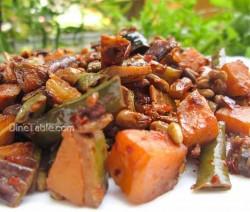 Kaya Achinga Payar Mezhukkupuratti / Vegetarian Side Dish