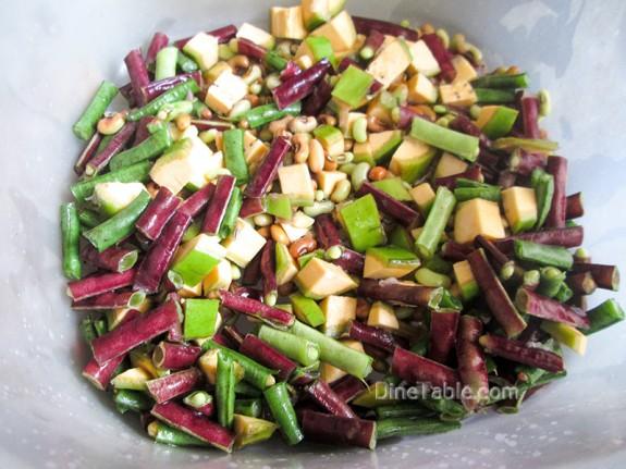 Kaya Achinga Payar Mezhukkupuratti / Yummy Side Dish
