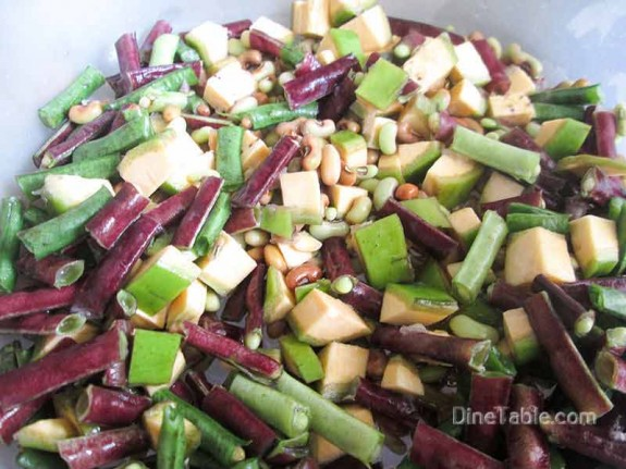 Kaya Achinga Payar Mezhukkupuratti / Delicious Side Dish