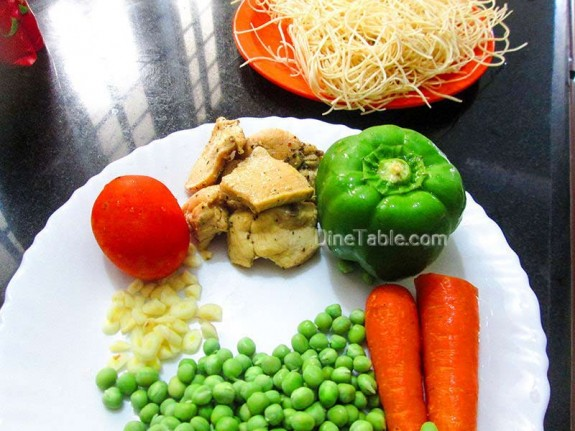 Spaghetti with Chicken and Vegetables / Nonvegetarian Recipe