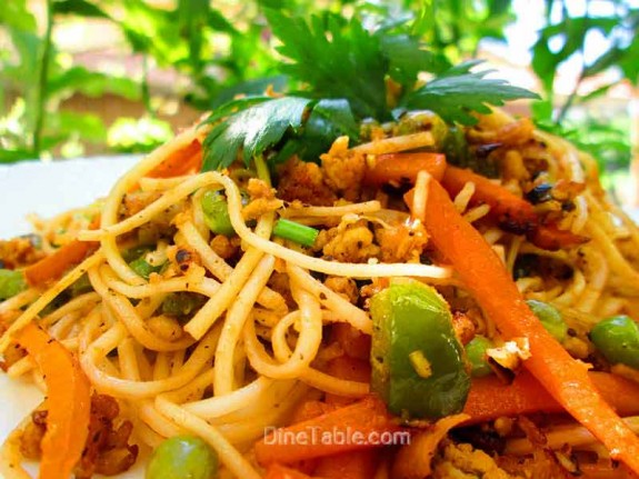 Spaghetti with Chicken and Vegetables / Easy Recipe