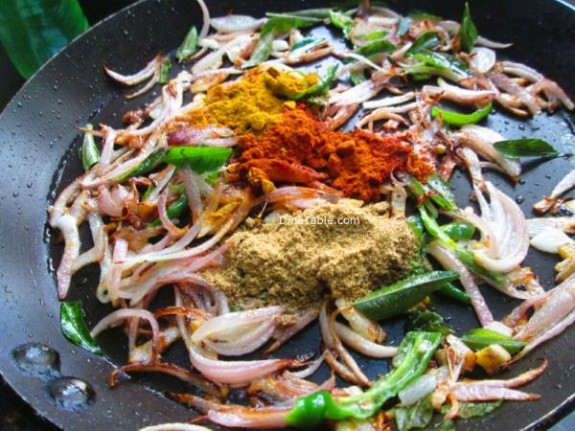 Egg Omelette Curry Recipe / Curry Recipe