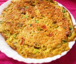 Maggi Noodle Omelette Recipe / Indian Omelette