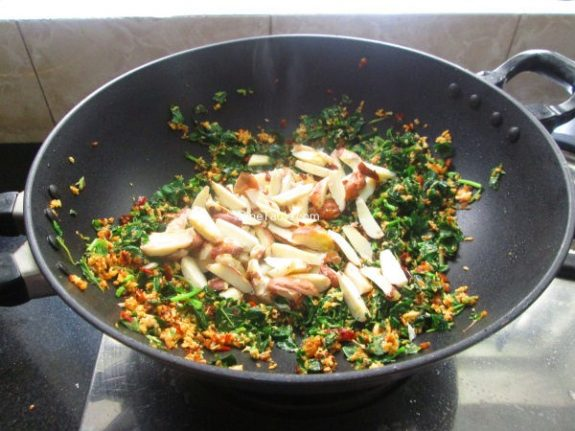 Chakkakuru Cheera Thoran Recipe / Kerala Dish